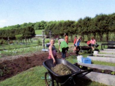 Hiland Hall Gardens - Village School of North Bennington3